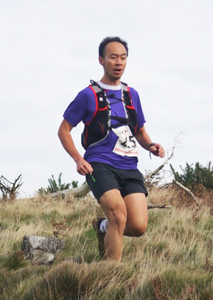 Danny Lim descending at Guisborough 3-Tops Fell Race 2014