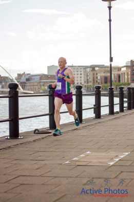 Stephen in full flight at the Bridges of the Tyne 5 Mile Road Race 2015