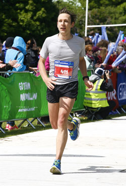 Till crosses the finish line in 2:56:25 at the Edinburgh Marathon 2015
