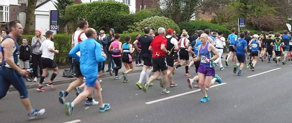 Steven passing runners on the way back at the Asics Manchester Marathon 2015